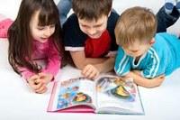 XIII Aniversari de la biblioteca.  Celebració amb els infants
