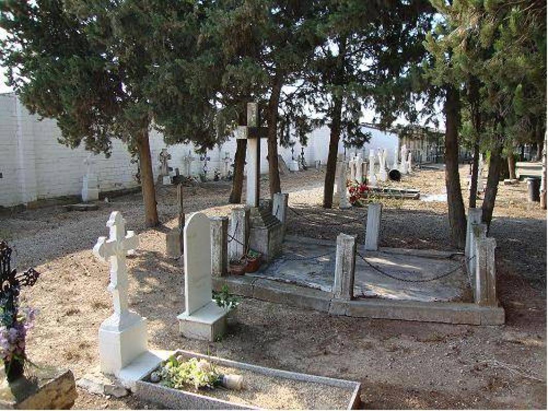La part més antiga del cementiri actual d'Alcarràs
