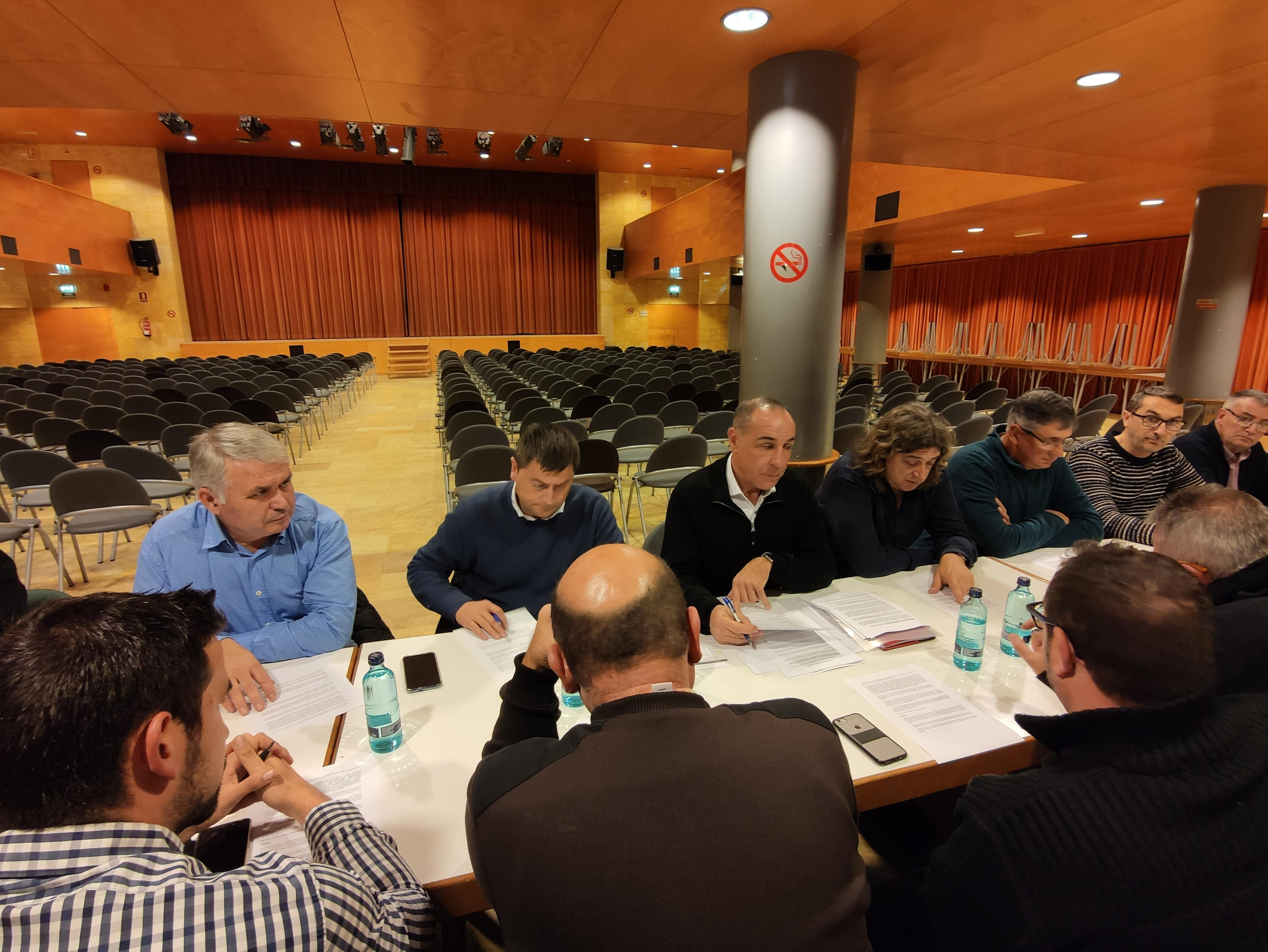Trobada alcaldes i organitacions agràries territoris productors fruita dolça a Alcarràs 16_12_19