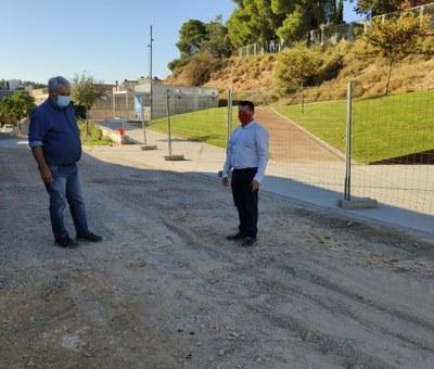 Alcarràs condiciona el carrer Carlos Salinas de Gaminde per millorar la vialitat i l'accés al mòdul de suport Covid del CAP