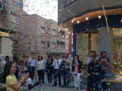 El Punt Jove d'Alcarràs celebra el seu primer aniversari amb una festa Holi
