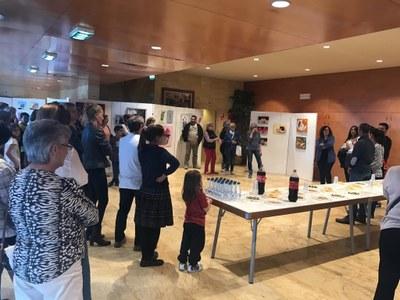 Els alumnes de l'Aula de Dibuix i Pintura d'Alcarràs exposen les seves creacions durant la Setmana Cultural