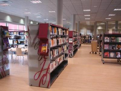 La Biblioteca Joaquim Montoy d'Alcarràs celebra el seu 15è aniversari