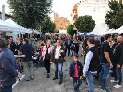 La primera edició del VedellaTast a Alcarràs esgota totes les existències de menjar i beure