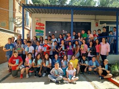 La regidoria d'Ensenyament d'Alcarràs entrega a les escoles un decàleg sobre els drets i deures de l'alumnat