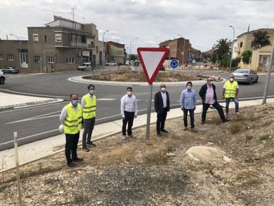La urbanització de rotonda d'entrada a Alcarràs es completarà aquest estiu