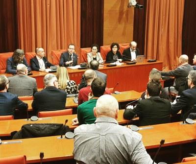Les reivindicacions dels alcaldes de la fruita dolça i les organitzacions agràries se sotmetran a debat a la Comissió d'Agricultura del Parlament