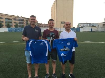 L'escola de futbol del Baix Segrià i el Club de Futbol d'Alcarràs sumen per a millorar la formació esportiva